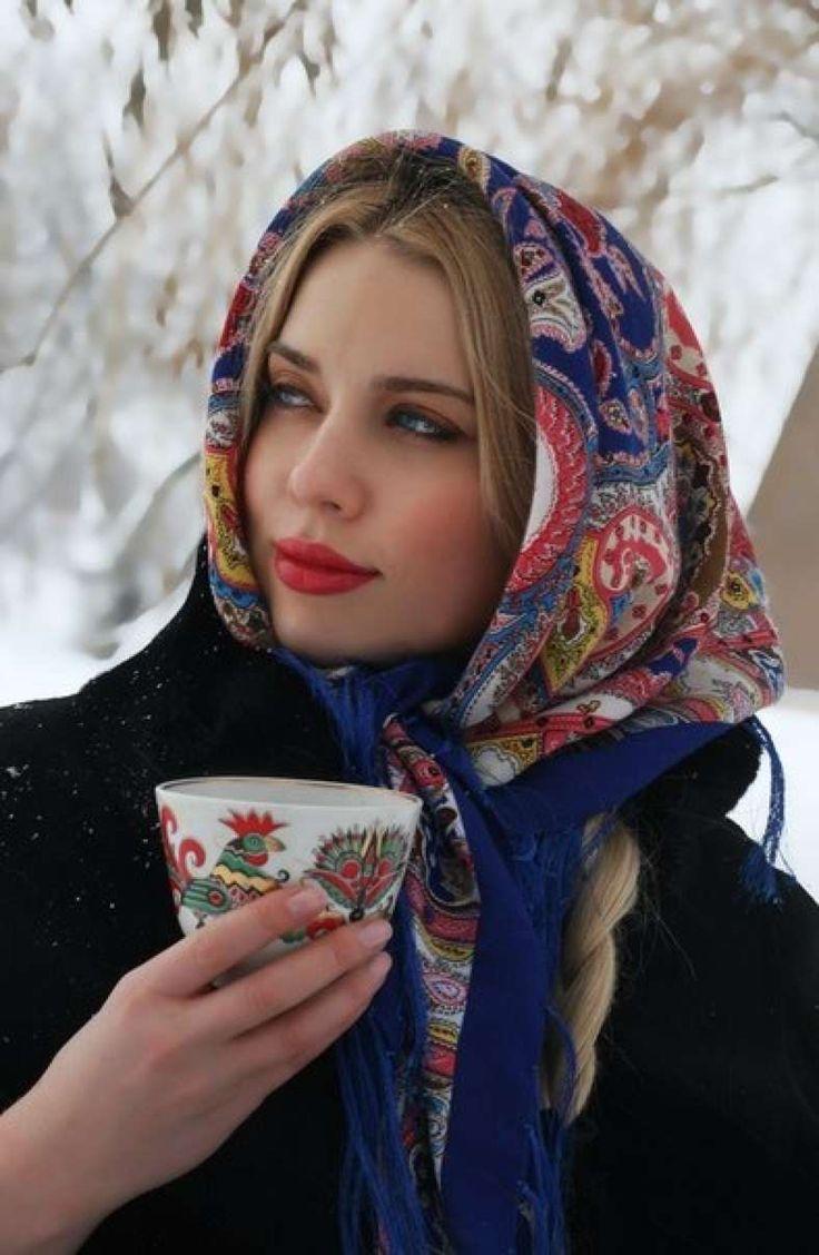 блондинка в платке фото всего мира рекомендуем вам высококачественный