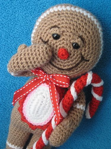 http://www.ravelry.com/patterns/library/gingerbread-man-amigurumi-christmas-toy-doll-festive-decor