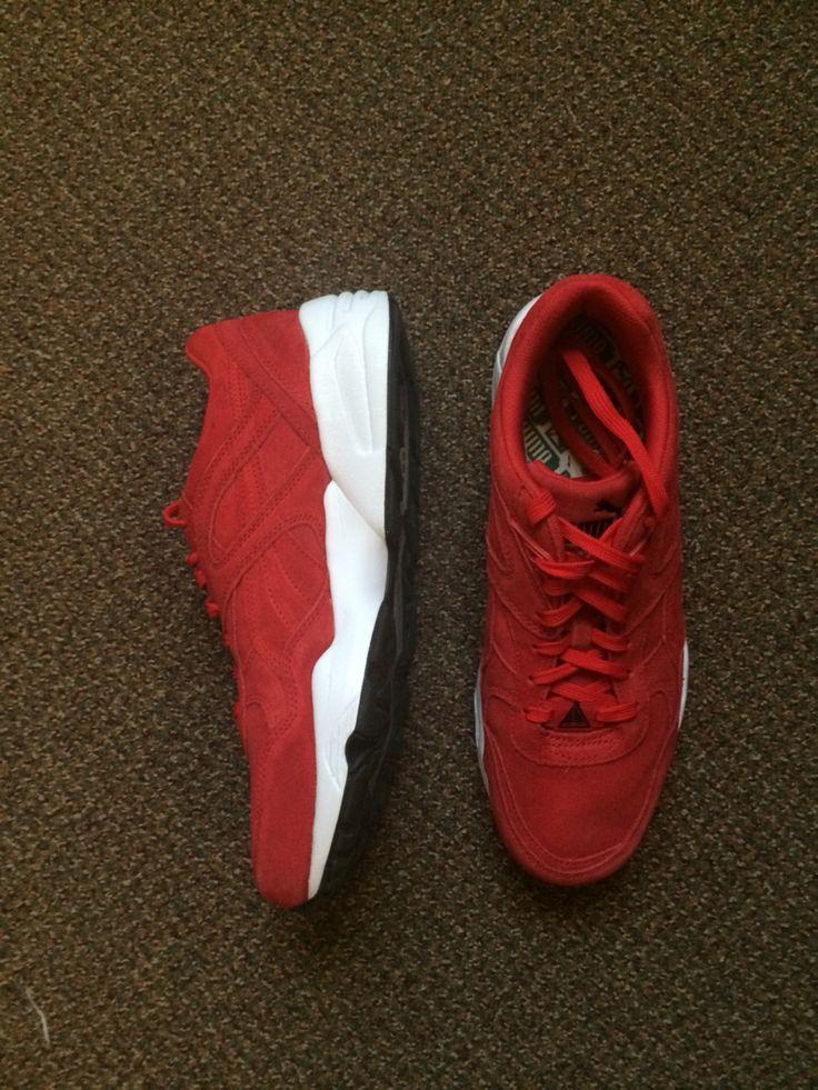 Red Suede, Puma R698