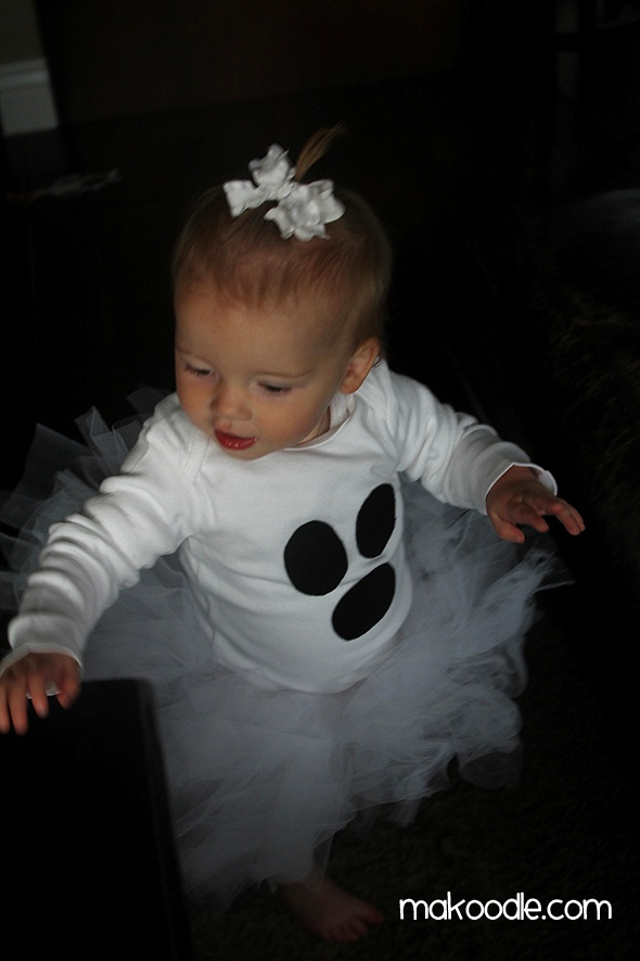 Sharpie shirt, white leggings, and no sew tutu = my lil one year old ghost for Halloween. :) Easy DIY baby costume. Would be cute to embroider 'BOO' on her bottom ;)