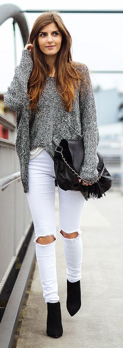 Grey Knit Oversize Jumper. knee cut skinny jeans.