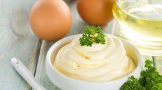 Vă prezentăm o rețetă simplă și rapidă a unuisos excepțional pentru salata preferată. Deja nu mai e nevoie să consumați maioneza din comerț. Se prepară în doar câteva minute și nimeni de la masa de sărbătoare nu va ști că de fapt salata nu e cu maioneză. Acest sos se combină perfect cu legumele proaspete. …