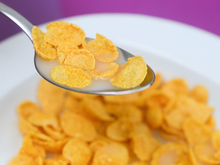 O leite de amêndoas é uma ótima alternativa ao leite de vaca e um componente saudável para qualquer vitamina ou shake. Amêndoas são livres de glúten, têm baixo teor de carboidratos e promovem um bom equilíbrio do colester...