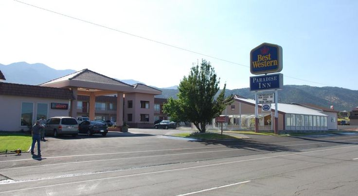 Best Western Paradise Inn Nephi Near the Little Sahara Sand Dunes and just off the I-15 motorway, this Nephi, Utah hotel features a free daily breakfast as well as comfortable guestrooms with free wireless internet access.