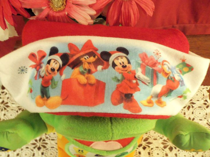 NWT Mickey, Minnie, Pluto and Donald Duck Christmas/Santa Hat Red w/White Ball