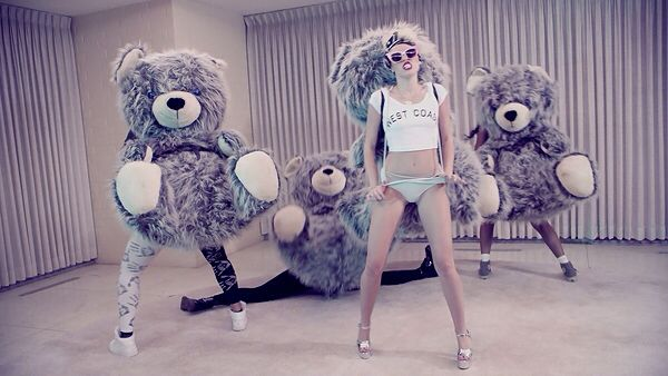 This video is so cool... Love Miley ❤️ #wecantstop