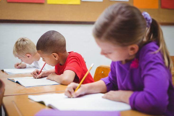 L'articulation lecture-écriture-grammaire peut se définir comme une planification, un pilotage et une évaluation par l'enseignant d'activités assurant des liens explicites entre les notions grammaticales et les compétences à lire et écrire. - http://rire.ctreq.qc.ca/2017/01/articulation-grammaire/