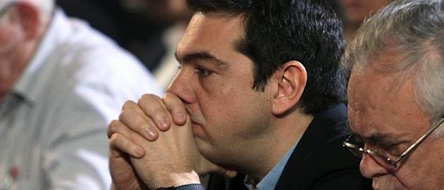 """""""Das ist illegal"""" - EZB will Tsipras nicht noch mehr Geld verschaffen  Griechenlands neuer Finanzminister Yanis Varoufakis hat in den wenigen Wochen seiner Amtszeit für viele Misstöne und Ärger bei den Europartnern gesorgt. Nun reicht es Regierungschef Tsipras - er verbietet seinem Minister die provokanten öffentlichen Äußerungen. http://www.focus.de/finanzen/news/staatsverschuldung/griechenland-krise-griechen-minister-kotzias-klagt-ueber-kulturellen-rassismus_id_4527577.html"""