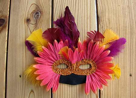 Google Image Result for http://www.funfamilytips.com/wp-content/uploads/2010/11/make-a-masquerade-mask-craft.jpg