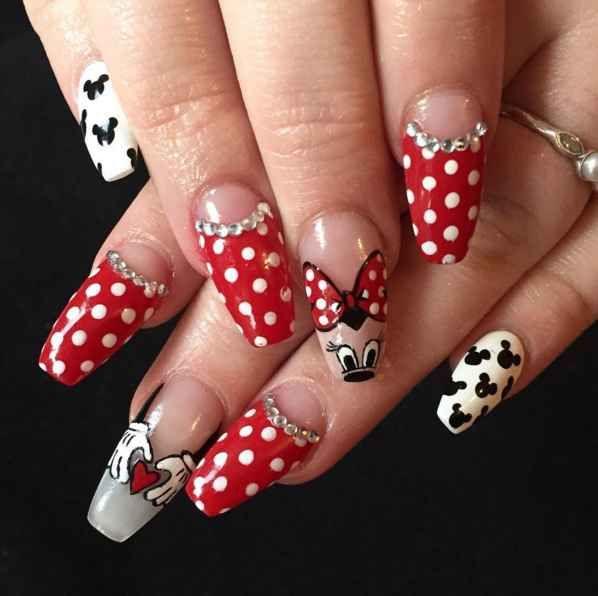 Best 25+ Minnie mouse nail art ideas on Pinterest | Disney ...