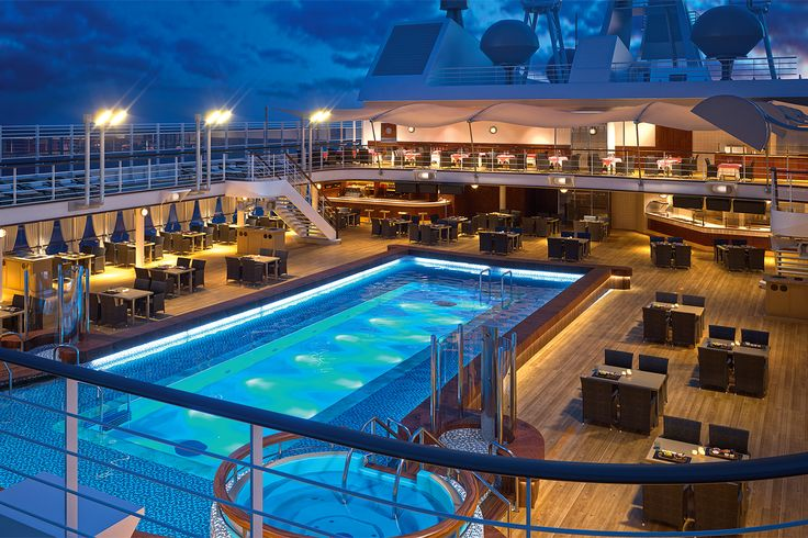 Hit LIKE if you would love to take a dip in this pool! Image thanks @silverseacruise  #silversea #cruises #silvermuse #spring2017