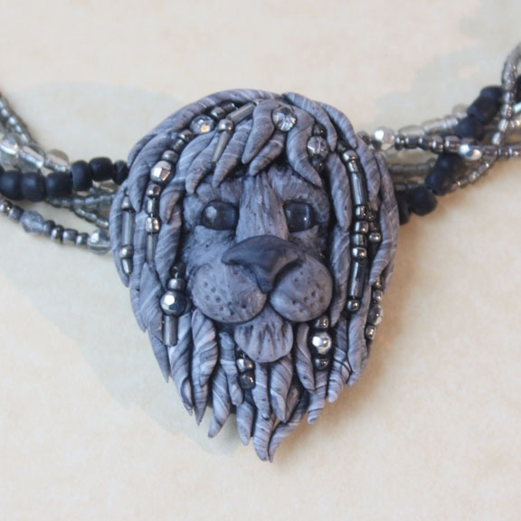 Book 4 Lion head pendant with beads by Laurie Grassel for the #FriesenProject