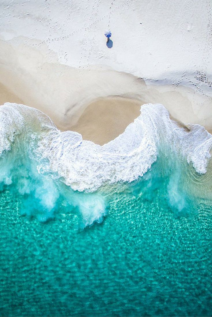 With the photography project Salty Wings, Michael Goetze and Jampal Williamson focus on this remote Western Australian region's spectacular beauty—with aerial and drone photography that capture its beaches, bays and islands.