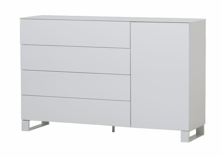 Zara byrå - 4 lådor, 1 dörr från Nurmela hos ConfidentLiving.se