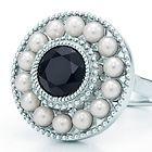 Tiffany & Co. | Item | Anillo de perlas Ziegfeld Collection de plata fina y ónix negro. | México $7,900