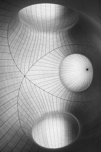 de-stijll: Photo prise à l'exposition Monumenta au Grand Palais de Paris. Artiste: Anish Kapoor.  (Frank Vervial Photography)