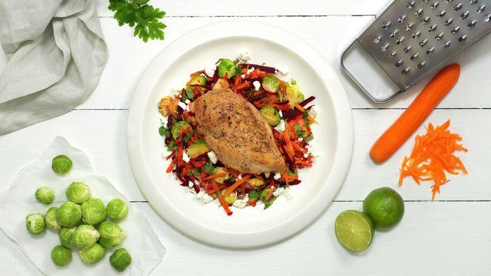 Kyllingfilet med rotgrønnsaker og fetaost - Sunn - Oppskrifter - MatPrat