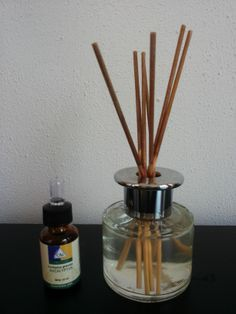 Zelf luchtverfrisser maken van water met etherische olie