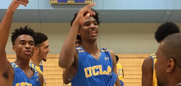 Rappers 2 Chainz and Kanye West got in some hoops this week and took photos with the UCLA men's basketball team.