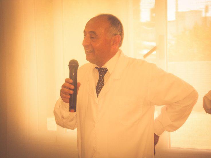 """Dr. Martín Modaffari. Centro de Día de Salud Mental Alicia """"Tita"""" Brivio. Cierre de año con la muestra de las actividades y talleres, con la presencia de los pacientes, familiares, profesionales y autoridades municipales."""