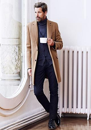 ベージュチェスターコート×グレータートルネックセーターの着こなし【60代】(メンズ) | Italy Web