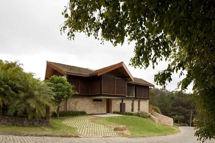 exterior Project House in the Hills Exhibiting a Fascinating Organic Silhouette: House in the Hills by Architectare