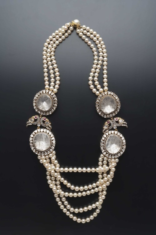 Pearl necklace by Amrapali