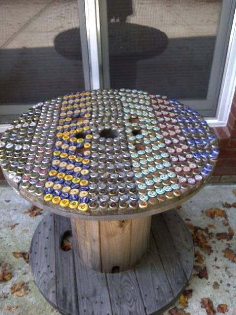 Beer Cap Spool Table-----NOW I REALLY WANT A SPOOL!!!