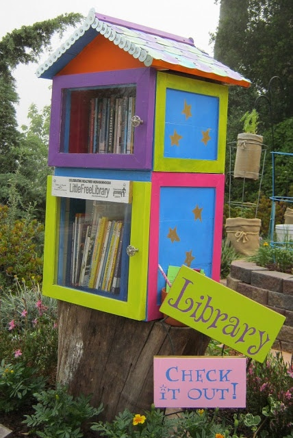 Little Free Library, made by @Terri Valley Quilts Yay! I love the CD roof.