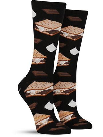Ooey, gooey and oh-so-sweet ... mmm, s'mores! So irresistible that you can't have just one, the aptly named treats on these cool s'mores socks are likely to make your mouth water. Just try not to get