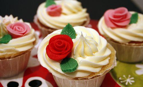 How To Make Fondant Roses for Cupcakes & Wedding/Bridal Cupcakes | niner bakes