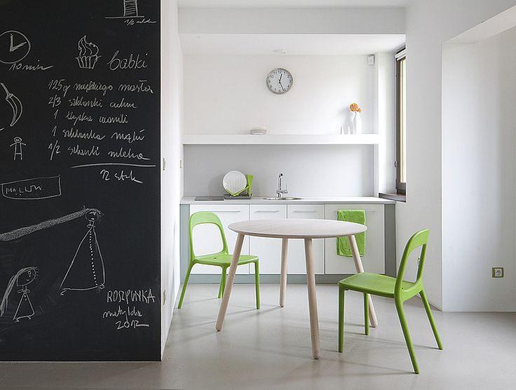 Stół okrągły OX o średnicy 100 cm i kolorze Off White.  Miloni.pl