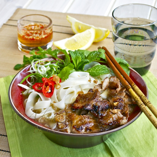 CHARGRILLED PORK ON RICE NOODLE SOUP