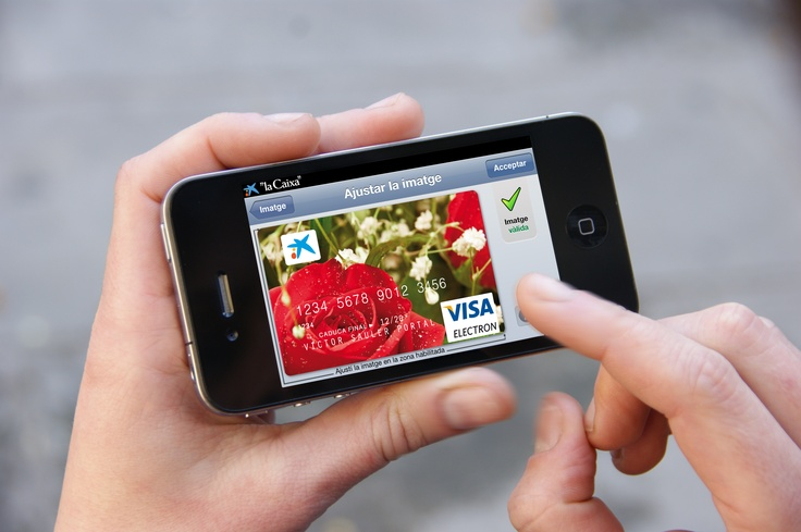 """Creación de targetas de crédito de """" la Caixa """" con tus fotos. // Creació de tarjetes de crédit de """" la Caixa """" amb les teves fotos. Descárgala en  www.lacaixa.es/targetasapp"""