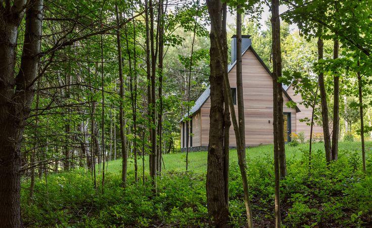HGA creates cedar-clad cottages for classical musicians in Vermont