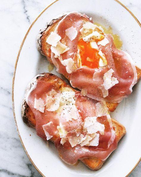 いいね!732件、コメント2件 ― Masaki Higuchiさん(@higuccini)のInstagramアカウント: 「Egg toast . 今朝はちょっと贅沢なラピュタパン😋 シンプルなラピュタパンに、後のせのプロシュット・ディ・パルマ、パルミジャーノ・レッジャーノ。美味しい👍 . #ラピュタパン #朝トースト…」