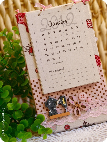 Calendario para mesa de costura