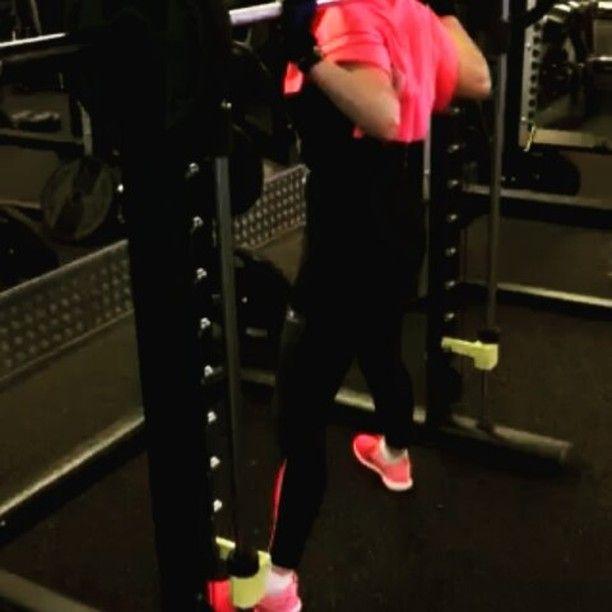Yesss!!! Let's  GO !  4eme training de la semaine : deuxième séance jambe XD  Au programme :soulèvé de terre , levé de bassin, press, legs,  exercice inducteur intérieur et mollet  Avec un petit peu de cardio à la fin ^^ Mais avant mangerrrrrrr !! :p  #squats  #sport💪  #squatsumo  #fitgirls  #rage  #determination #fitnes  #fitnesspark  #sueur  Check out BobbyOWilson.com for fitness and nutrition related articles!