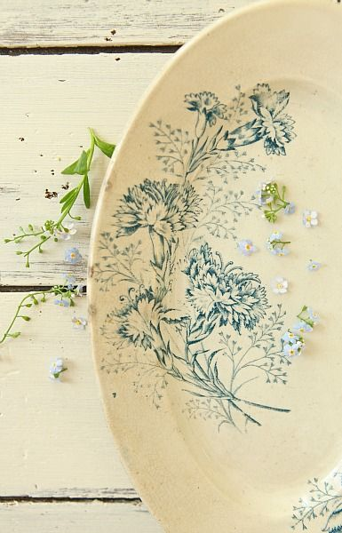 French Larkspur: The Best of the French Brocantes... The Shop is open!