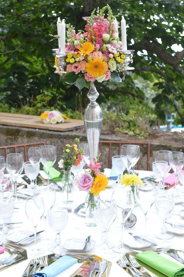 #weddingcenterpieces #weddingdecoration #weddinginportugal #weddingflowersportugal #weddingbythesea #weddingdesign #myweddingflowersportugal #orangeweddingcenterpieces