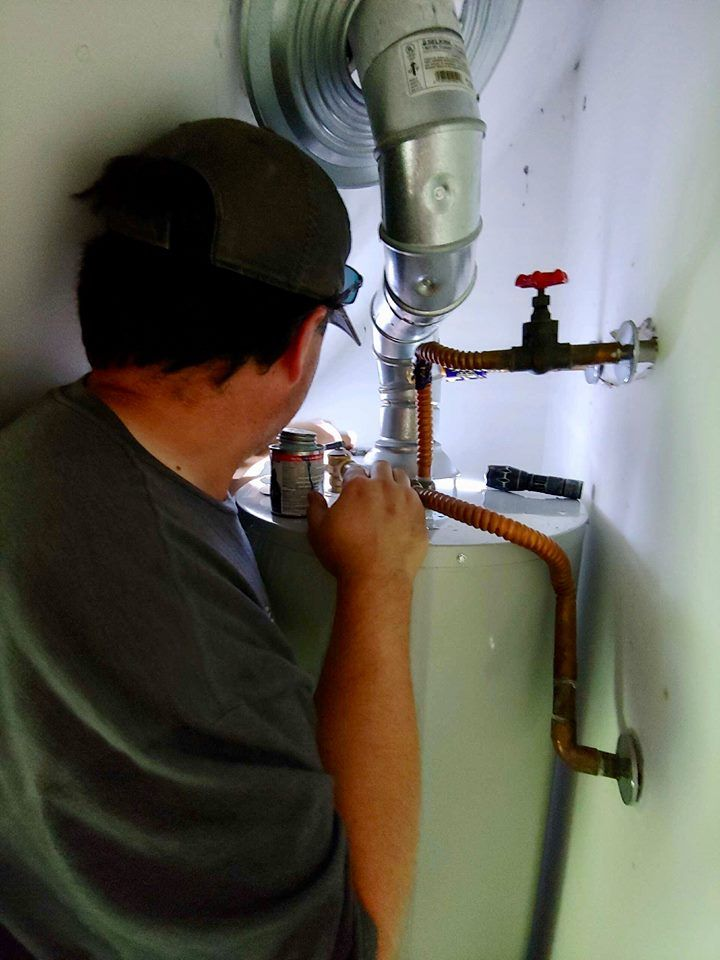 Suddenly Smell Gas A Water Heater Leaking Can Be Incredibly Dangerous Call The Plumbinator Right Away 512 786 1771 Or C Heater Water Heater Gas Water Heater