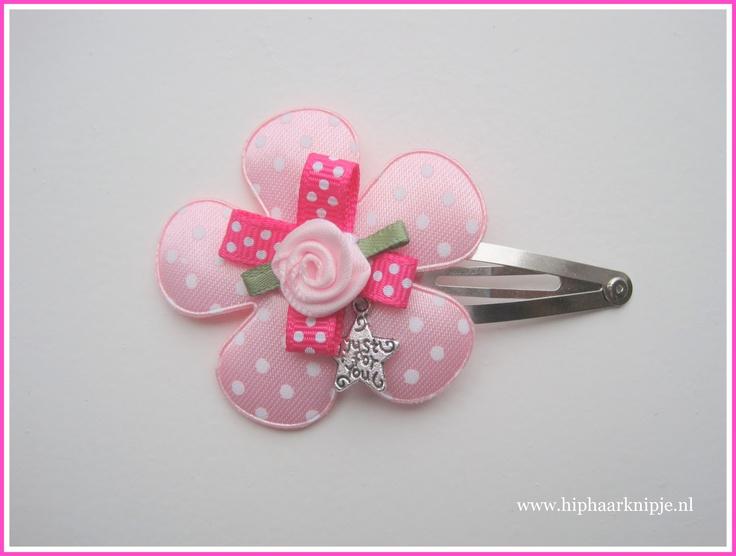 #haarknipje #roze #bloem www.hiphaarknipje.nl