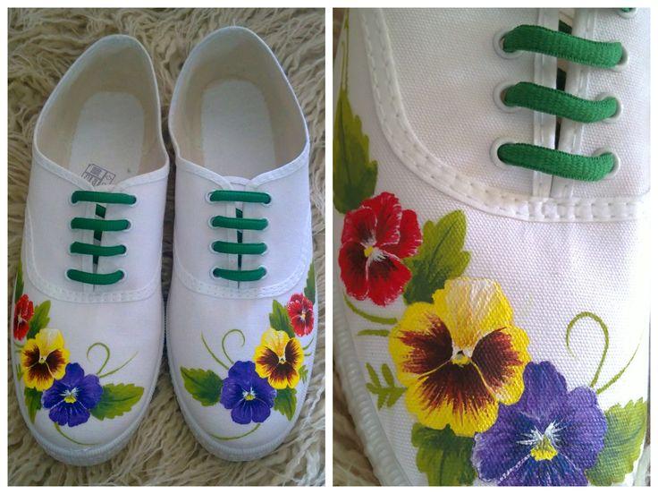Resultado de imagen para decoraciones con flores pintadas alpargatas
