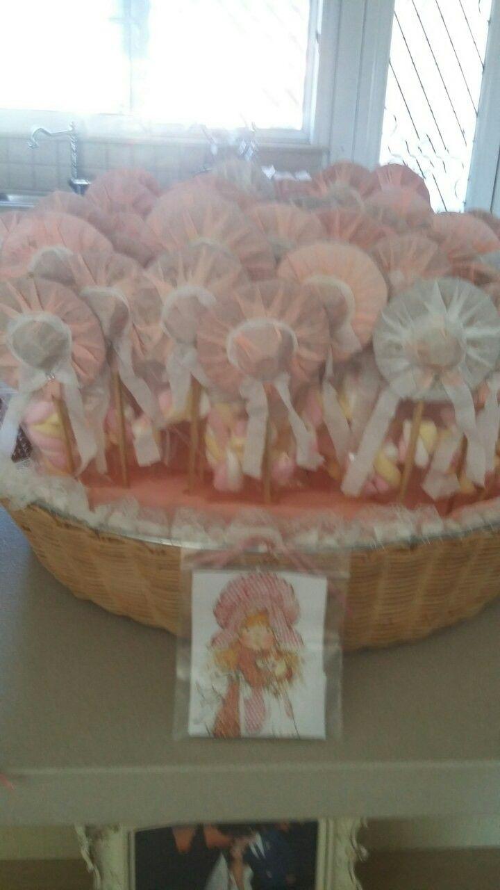 Χειροποιητα καπελακια με marshmallows!!!κερασμα για μικρους φιλους σε βαπτιση με θεμα Sara Kay!