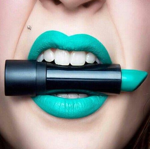 labios azules