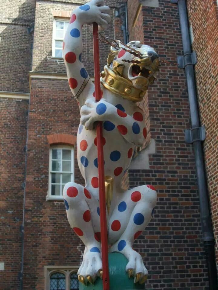 Wonderful heraldic leopard