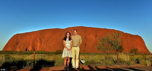 #DAILY_MAIL_UK_News #AUSTRALIA_Tour NEWS + IMAGES & VIDEO ~ Red earth: The Duke and Duchess of Cambridge took in the breathtaking view of Australia's iconic Ayers Rock ~ April 22nd, 2014 http://www.dailymail.co.uk/femail/article-2610208/Crikey-William-channels-Steve-Irwin-Crocodile-Hunter-toe-khaki-visit-Australia-red-centre-Kate-didnt-wear-fathers-safari-suit.html