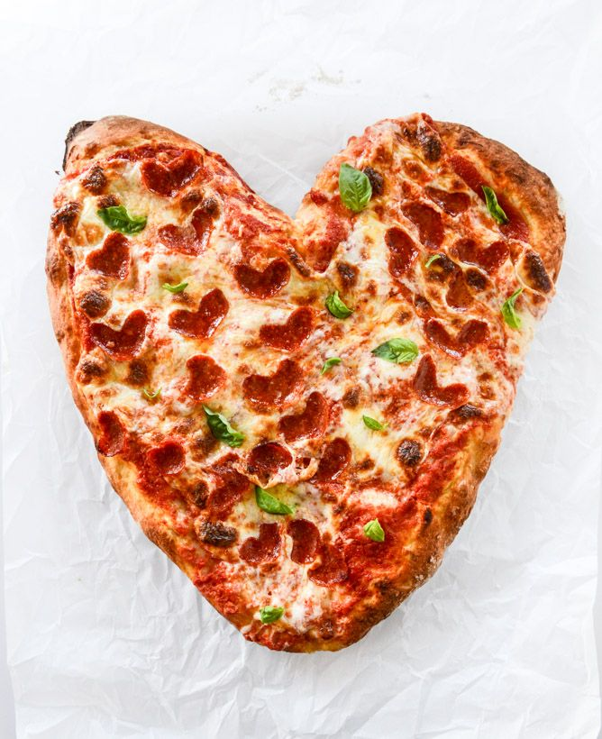 how to make a heart shaped pepperoni pizza for valentine's day I howsweeteats.com