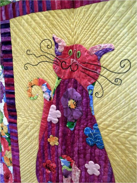 ❤ =^..^= ❤ Purrrrfectly cute cat quilts. Close-up of Flower Queen Kitty