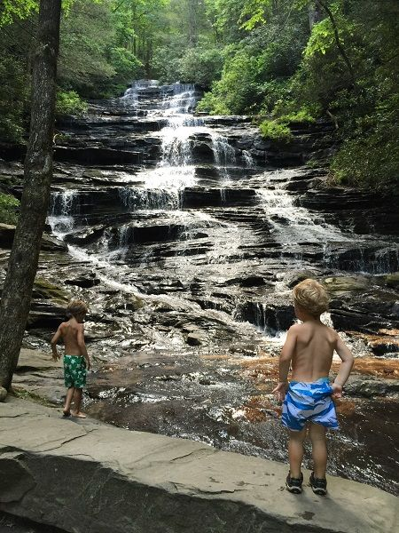 Minnehaha Falls - Minnehaha Falls is one of the best kiddo falls in North Georgia! (Side note before we get started…Helton Creek Falls is the other kid-tastic waterfall in the mountains.)